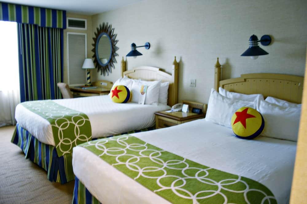 Disneyland Paradise Pier Hotel Review