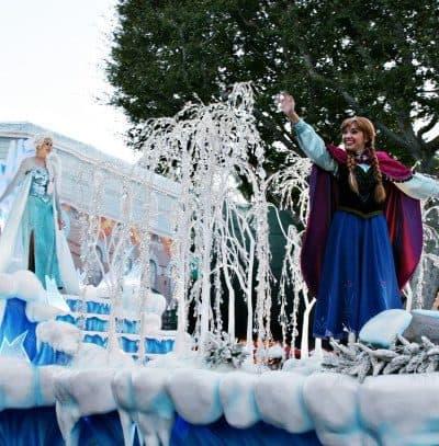 Disneyland Frozen Pre-parade