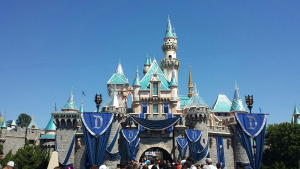 Budgeting for a Disneyland Vacation – How to Pinch Pennies on Your Trip