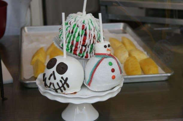 Disney Holiday Desserts & Delights!