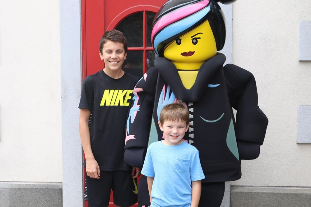 LEGOLAND Wyld Style character with kids