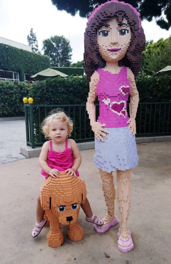LEGOLAND Friends figures with toddler