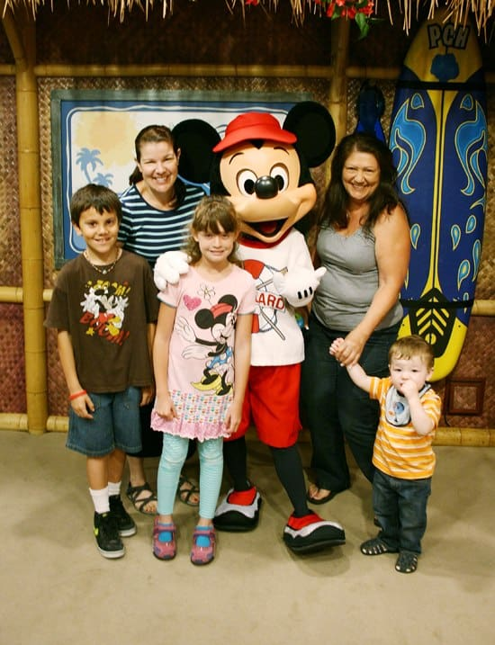 Crowded Disneyland Day? Top tips on what to do! Saving Up for Disney