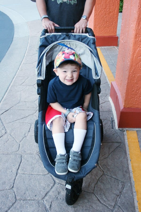 Thinking about taking your toddler to Disneyland? This one-day Disneyland itinerary has all the insider tips for a magical day with details on maximizing one day at Disney with babies and toddlers! Find out the best rides, attractions and shows for little ones, where to eat and what to pack.