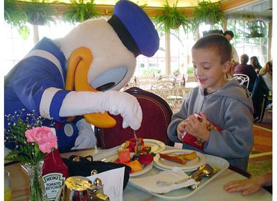 Minnie & Friends - Breakfast In the Park: Dine with Characters at Disneyland's Plaza Inn