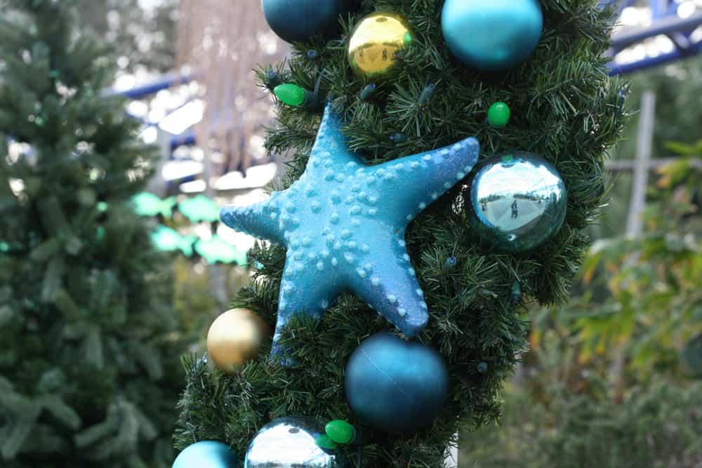 SeaWorld San Diego Christmas decorations