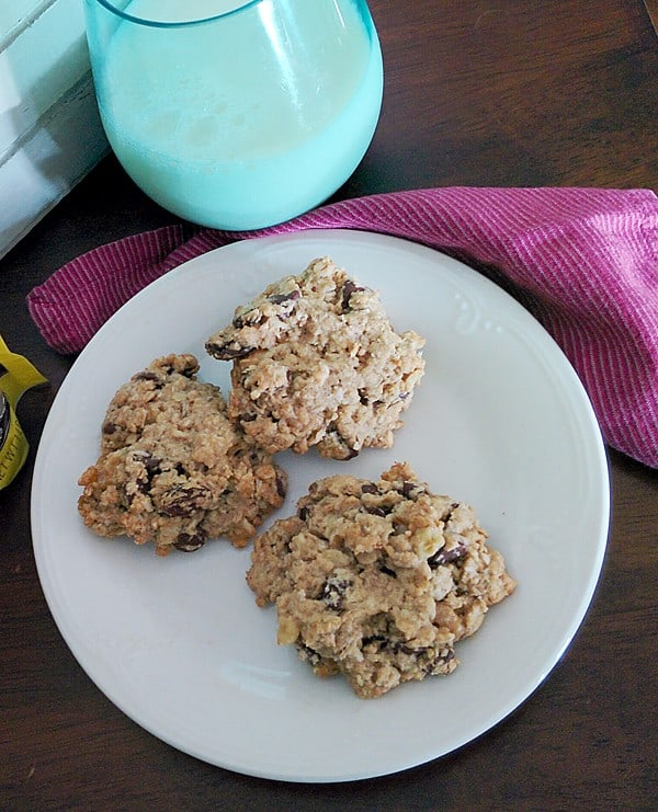 Everything Good Oatmeal Chocolate Chip Cookie Recipe #SplendaHoliday