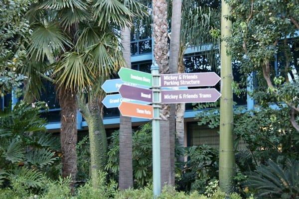 Disneyland Resort Hotel Review - Paradise Pier Hotel