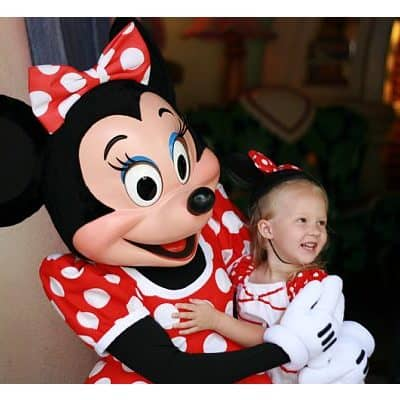 Everything You Need to Know About Meeting Characters at Disneyland!