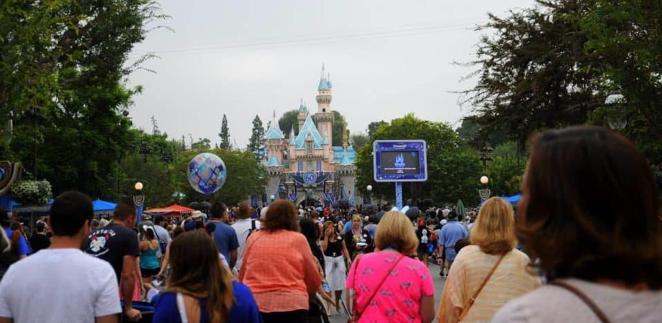 Best Times of the Year to Visit Disneyland (and Why)