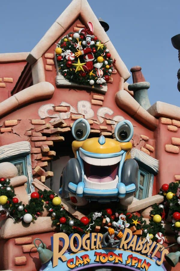Toontown Disneyland Christmas decorations