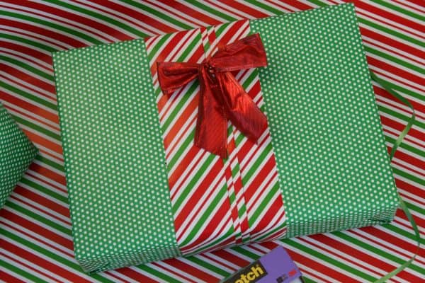 3 Simple Gift Wrapping Techniques That Are Creative, Unique and Budget-Friendly!