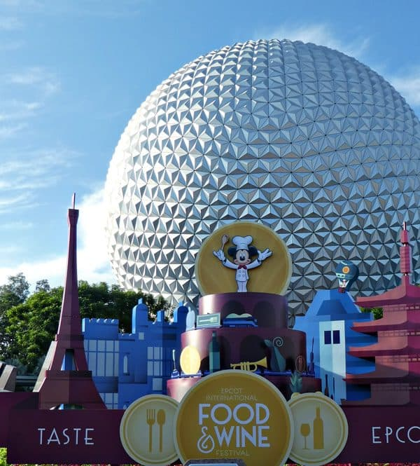 Dozens of ways how to save money on food at Disney! Save money on dining at Disneyland and Walt Disney World with these dining tips.