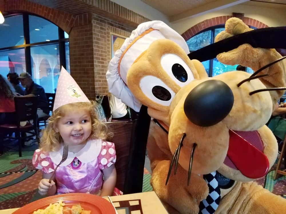 Dinner at Goofy's Kitchen in Disneyland Hotel with a preschool girl and Pluto