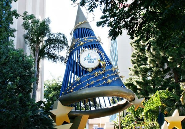Is It Worth It To Stay At a Disneyland Resort Hotel VS Off-Site?