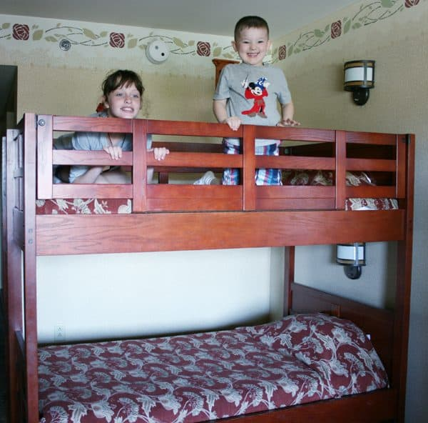 Kids in a hotel bunk bed