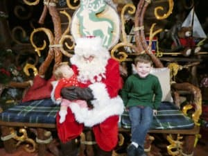 Tips for Holiday Characters and Where to Find Santa at Disneyland