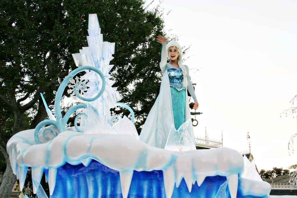 Elsa from Frozen is featured in the Disneyland parade, Mickey's Soundsational Parade