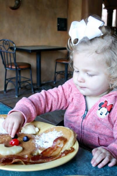 Restaurant Hacks for Kids That Make Eating Out Easier