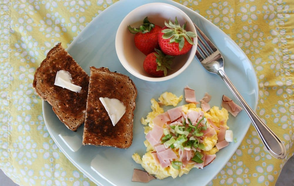 14 Protein-Packed Back to School Breakfast & Lunch Ideas for Kids