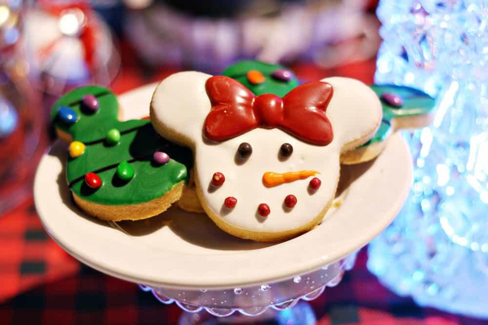 Holiday Must-Do List for Celebrating Christmas at Disneyland Resort