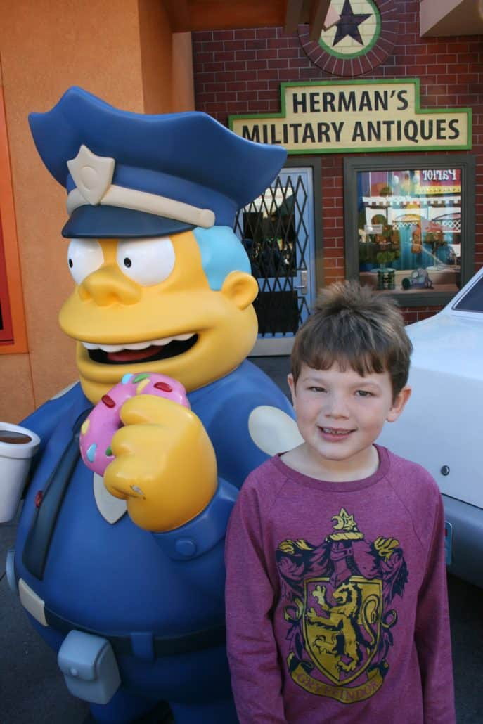 Planning a Southern California vacation and wondering if a day at Universal Studios Hollywood would be fun for the entire family? This deep guide shares Universal Studios Hollywood tips including discount tickets, thrill rides & motion sickness, whether the park is good for little kids, child-swap feature, The Wizarding World of Harry Potter and ideas on maximizing your day.