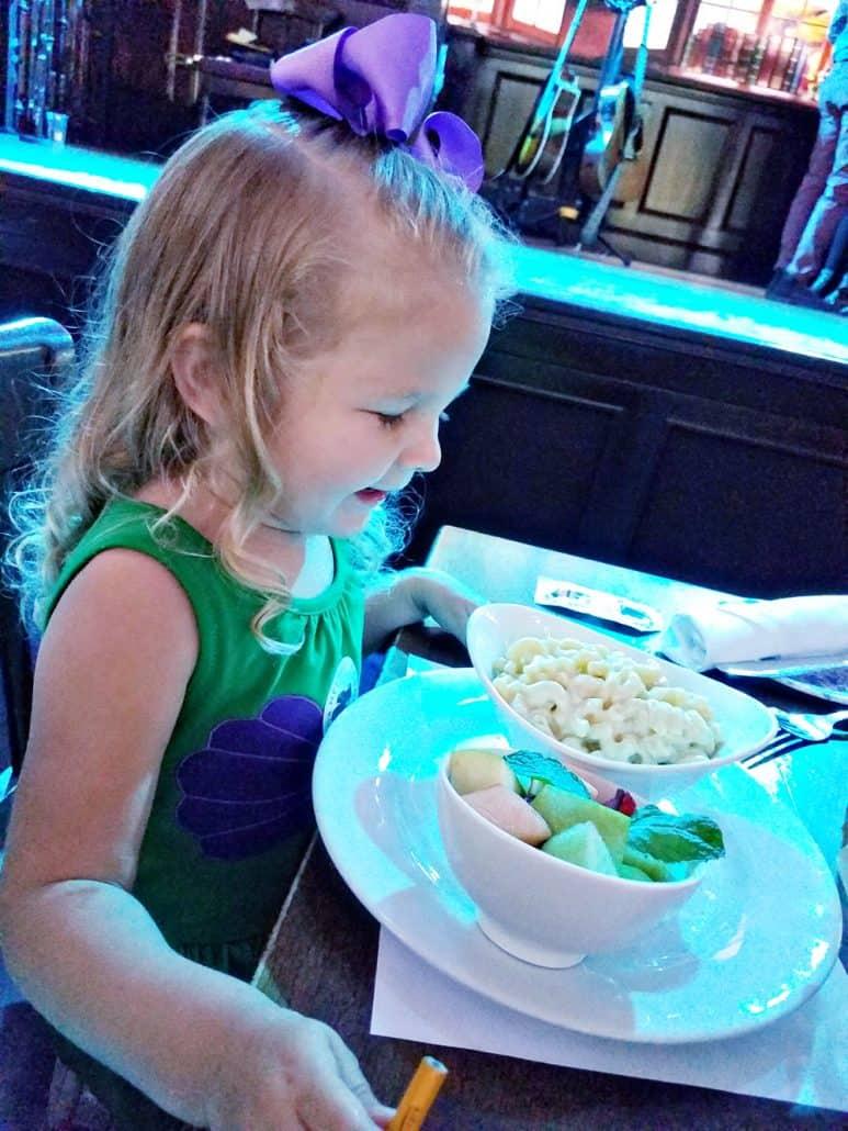 Kid's menu macaroni and cheese at Raglan Road Irish Pub