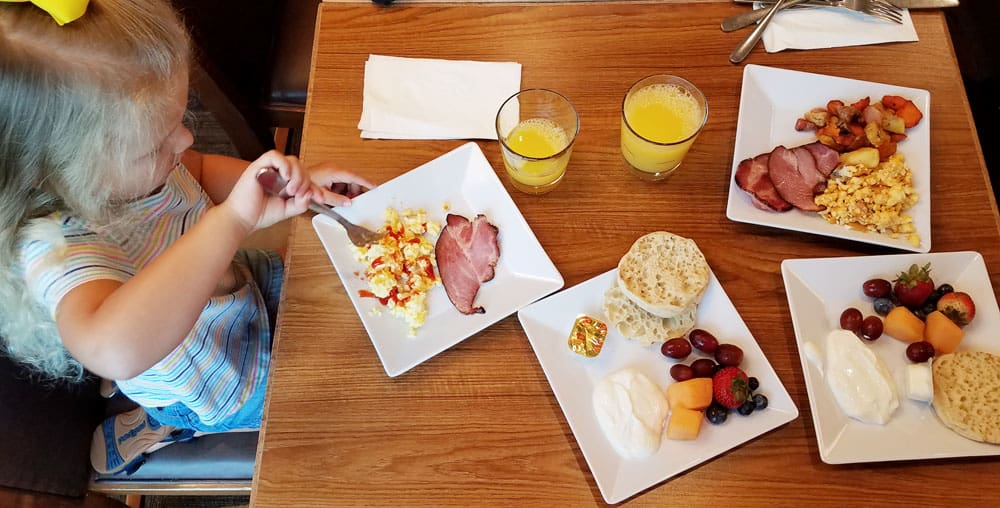 Hyatt Place Anaheim Resort complimentary breakfast offerings