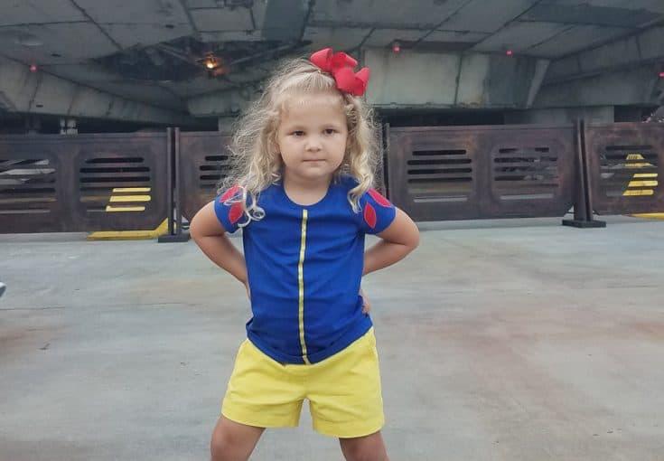Snow White DisneyBound - Disney T-Shirt DIY