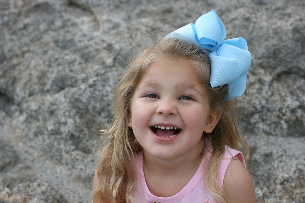 Pictures of a little girl at her birthday party