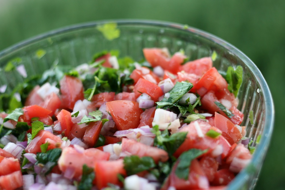Mexican chunky salsa recipe showing pico de gallo in a bowl