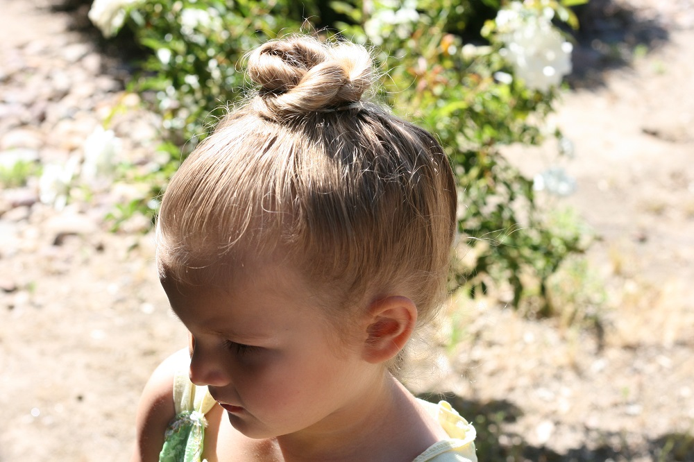 Child's hair bun like Tinker Bell