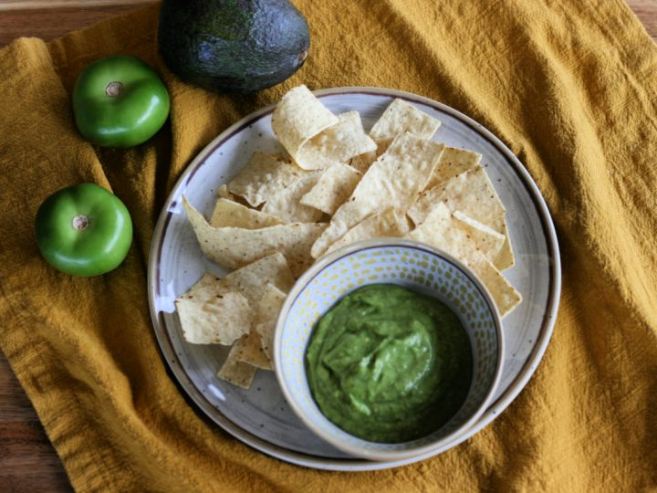 Avocado Tomatillo Salsa Verde Recipe