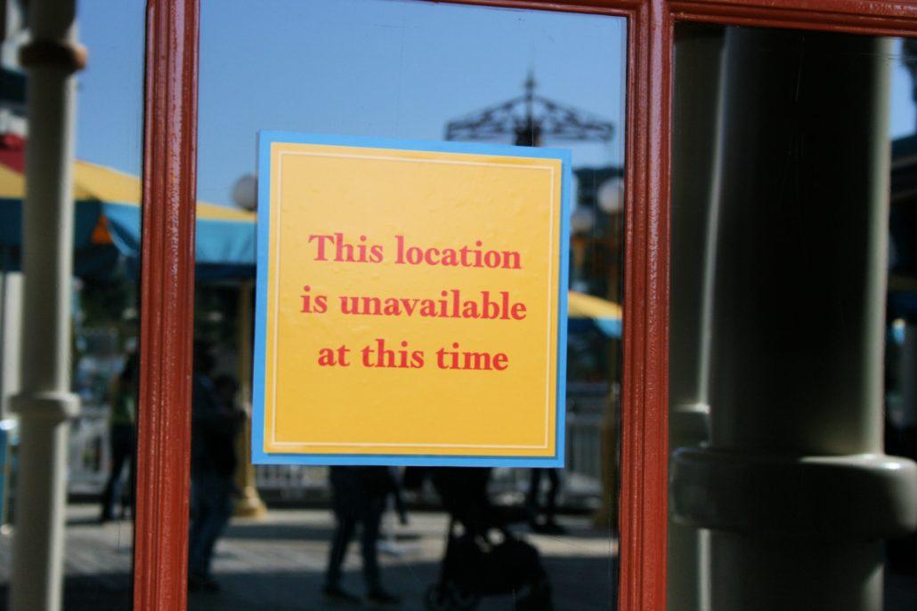 Location closed signage