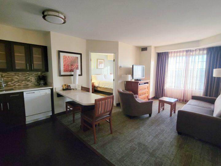7 Hotels with a Kitchen Near Disneyland